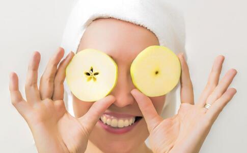 脸上干燥起皮怎么破?基本五招来护理