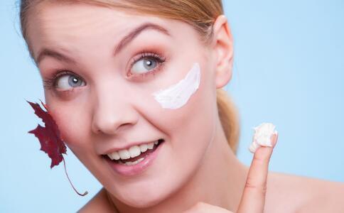 巧用苏打水美容护肤 养出细嫩好肌肤