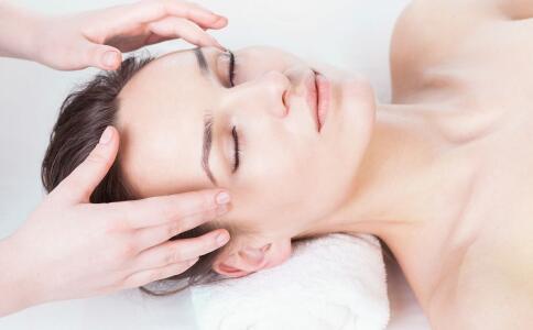 李宇春零毛孔的护肤方法