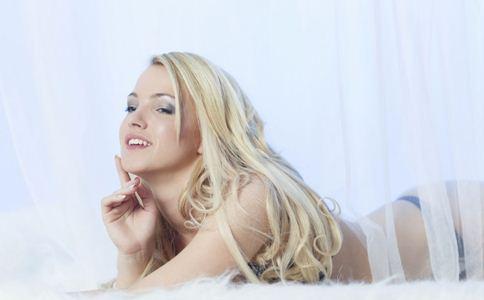 呵护乳房健康 少用化妆品