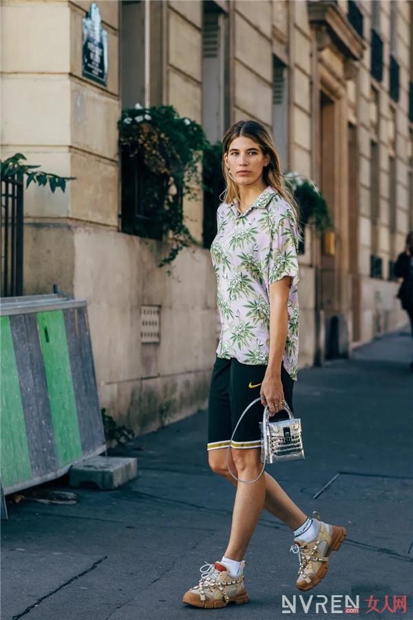 夏季包包这样搭配,才能既时髦又超显高超显瘦!