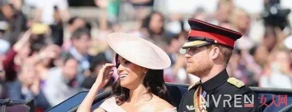 同穿粉色礼服,戴安娜王妃嫩出水,凯特效仿婆婆,梅根尤其机智!