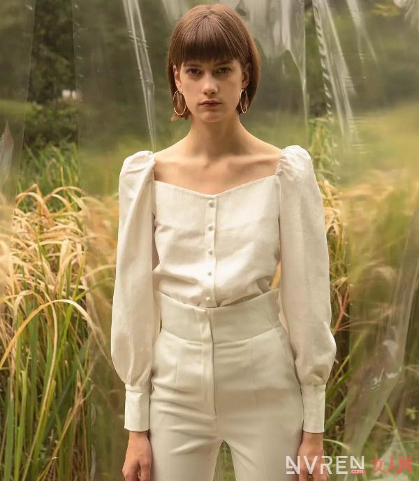 秋季用这些衬衫搭配阔腿裤让女性拥有时髦复古美感