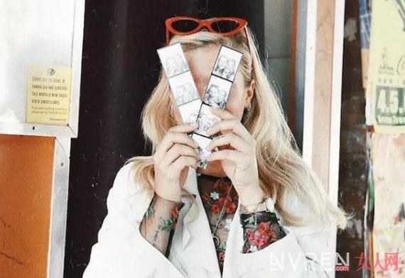 夏日旅行怎么用墨镜拍出各种时髦造型