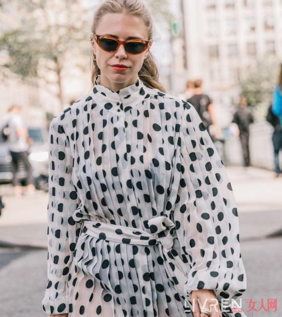 如何用不同款式雪纺连衣裙穿出仙气感