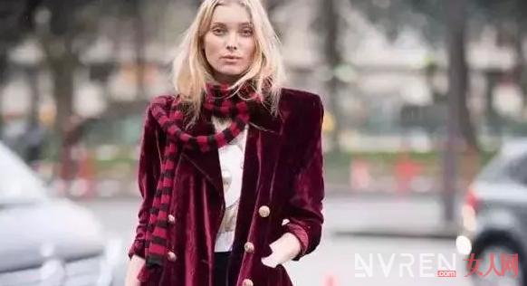 这些辣油红服饰单品 让你这个新年穿搭的既时髦还有高级感
