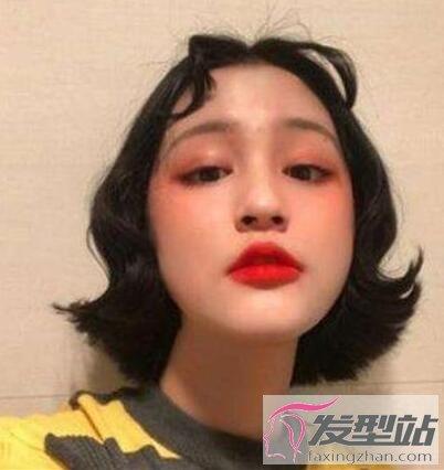 中分八字刘海短发女 修颜塑型提升颜值