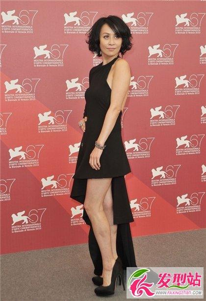 50岁左右女性做什么发型好看 刘嘉玲演绎中年高贵优雅发型