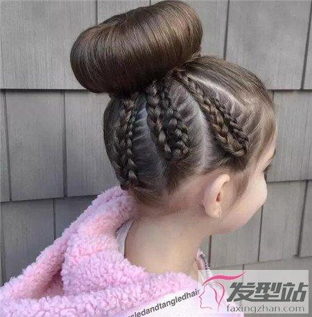 幼儿园小女孩简单扎发发型 款款甜美可爱到炸