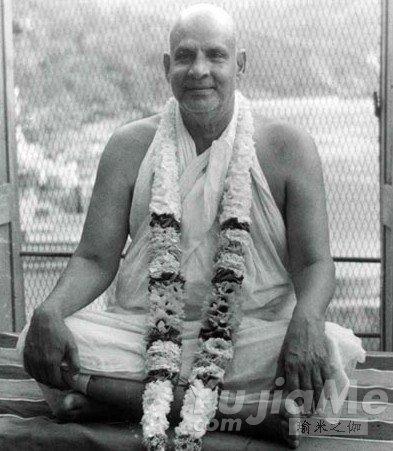 瑜伽人物-斯瓦米·希瓦南达