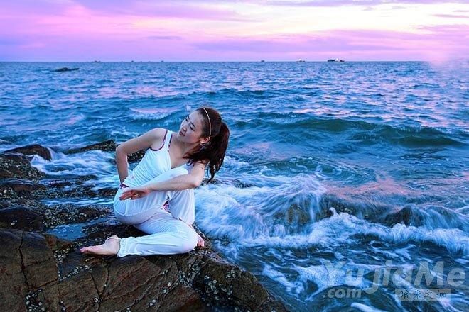 阿斯汤加瑜伽的凝视点与三位一体